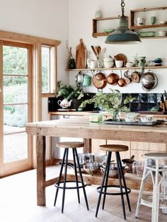 Charming Farmhouse With Shabby Chic And Rustic Touches - DigsDigs