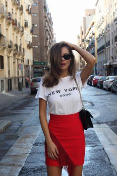 When I think about fashion blogger Silvia Zamora, outfits with denim come to mind. Most of the time, she opts for a basic look, but she's also stylish when there's a need to dress it up.