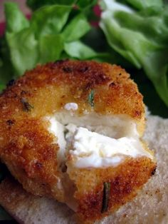 Chèvre chaud au romarin Cooking Turkey, Bagel, Bread, Food, Eten, Breads, Hoods, Baking, Bakeries