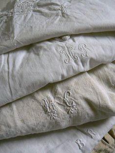 ♥♥ love old monogramed linens