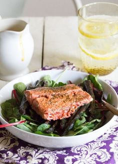 Creamy ginger dressing with grilled salmon and roasted asparagus using Thrive Culinary Algae Oil Best Paleo Recipes, Primal Recipes, Real Food Recipes, Diet Recipes, Favorite Recipes, Paleo Salad Dressing, Clean Eating, Healthy Eating