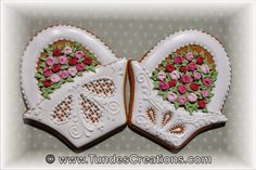 Rose basket cookie by Tunde Dugantsi