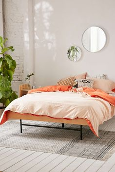 The Ultimate Guide to Turning Your Dorm Into A College Oasis » Curbly | DIY Design & Decor