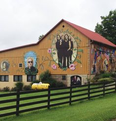 This barn is located in ohio amish country