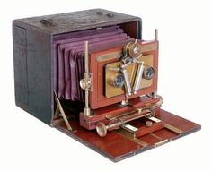Henry Clay Stereoscopic Camera 1892-99- from Antique and 19th Century Cameras.