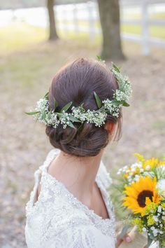 Should I wear a flower crown at my wedding? | Photo: Life Long Studios