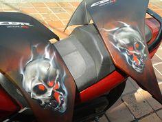 skulls  Honda  CBR 250
