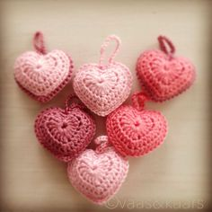 Crochet Wall Hangings, Crochet Curtains, Amigurumi Patterns, Knitting Patterns, Crochet Gifts, Diy Crochet, Crochet Keychain, Crochet Earrings, Crochet Hearts