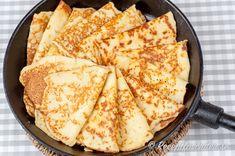 Goda glutenfria pannkakor med mandelmjöl och utan vetemjöl Gluten Free Recipes, Keto Recipes, Healthy Recipes, Lchf, Crepes, Small Meals, No Bake Desserts, Fall Recipes, Food Hacks