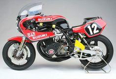 Suzuki Yoshimura endurance racer (1980). Really cool motorbike.