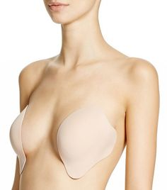 7bdfb2c016 Celebs Wear This Bra With Backless Dresses
