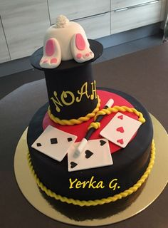 Le magicien gâteau d'anniversaire.
