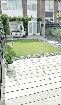 Minimalist Backyard Garden: 15+ Beautiful Inspirations To Steal   RecipeGood.com #ModernLandscapeDesign