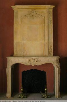 Cheminée Louis XV en pierre XVIIIe siècle