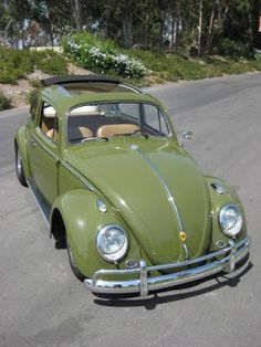 Best classic cars and more! Volkswagon Bug, Volkswagen Karmann Ghia, Vw T1, Vw Bugs, Ferdinand Porsche, Wolkswagen Van, Carros Retro, Vw Super Beetle, Kdf Wagen