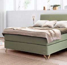 With pleasant Scandinavian designs, inspired by the fabulous Norwegian nature and sleep comfort of the highest quality, Jensen beds are made in order for . Furniture, Bedroom Decor Design, Decor Design, Storage Bench, Bedroom Green, Home Decor, Scandinavian Design, Bed, Bedroom