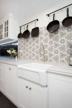 Shaker kitchens are making a comeback and our Armando Vicario Provincial Pullout Kitchen Mixer and Chambord Butler Sink will suit both modern and traditional Shaker kitchens