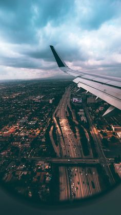 souhailbog: Lets Travel The World By Wallions Travel Pictures, Cool Pictures, Cool Photos, Sky Aesthetic, Travel Aesthetic, Airplane Window, Airplane View, Airplane Photography, Travel Photography