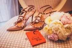 Wedding shoes Fashion Moda, Retro Fashion, Vintage Fashion, Fashion Trends, Women's Fashion, Trending Fashion, Ladies Fashion, Fashion Styles, Fashion Outfits