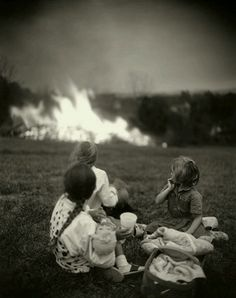 """Sally Mann, From her """"Family Pictures"""" collection; i've loved sally mann for a loooong time. Sally Mann Photography, Fine Art Photography, Portrait Photography, Street Photography, Inspiring Photography, Photography Tips, Landscape Photography, Nature Photography, Fashion Photography"""