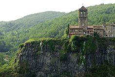 Los 30 pueblos medievales mas bonitos de España (Parte 1) | Castellfollit de laRoc Viajes - 101lugaresincreibles - | Bloglovin'
