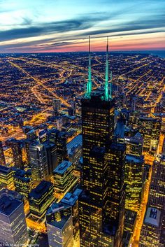 """visualechoess: """"Sears Tower by Enis Mullaj """" Chicago Usa, Chicago River, Chicago City, Chicago Skyline, Chicago Illinois, Chicago Photography, City Photography, Cityscape Wallpaper, City Landscape"""