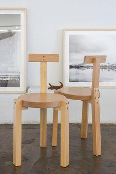 Nos anos 80, a cadeira Girafa foi desenhada pela arquiteta Lina Bo Bardi em parceria com Marcelo Ferraz e Marcelo Suzuki e se tornou um ícone do design.