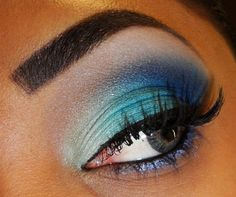 blue sombra shadow eyes make up maquillaje ojos suave soft dia day Colorful Eye Makeup, Blue Eye Makeup, Makeup For Brown Eyes, Love Makeup, Beauty Makeup, Makeup Looks, Makeup Style, Beauty Tips, Amazing Makeup