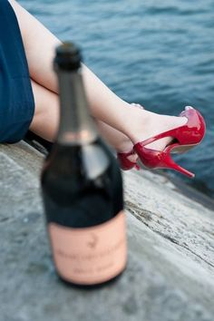 Champagne and red shoes by the water Grand Noir, Woman Wine, Wine Art, Thing 1, In Vino Veritas, Wine Time, Red Shoes, Photos, Pictures