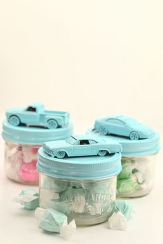 Very Fitting for my brother's baby shower. Learn how to make DIY Car Jars to hold treats for wedding or party favors. Also perfect for a baby shower! Boy Party Favors, Baby Favors, Baby Shower Favors, Baby Shower Games, Diy Party, Baby Shower Parties, Baby Boy Shower, Wedding Favors, Diy Wedding