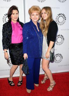 Кэрри с матерью Дэбби Рейнольдс и дочкой Билли Кэтрин. Фото: GLOBAL LOOK PRESS