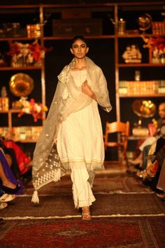 Tarun Tahiliani ~ Lakme Fashion Week Summer/Resort 2013