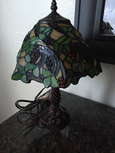 Tiffany Style Stained Glass Small Table Lamp With Beautiful Grape Design Shade