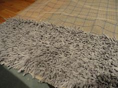 DIY Shag rug.  Looks like it would take some time to make