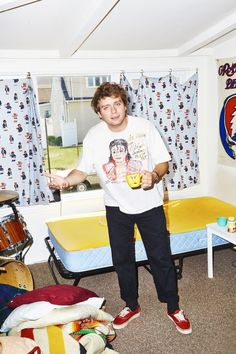 Mac DeMarco On. Billy Joel's Boldness, Kids in the Hall, and Keeping Music Weird - self-titled Marc Demarco, Art Music, Music Artists, Indie Fashion, Mens Fashion, Mundo Hippie, Billy Joel, Big Mac, Look Vintage