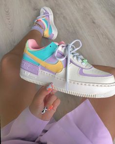 Back to the with these amazing new sneakers from Nike. They come in the original design of the Air Force 1 but then with double layered details. In beautiful pastel rainbow colors. Named Nike Air Force 1 Shadow Pale… Zapatillas Nike Air Force, Nike Af1, Nike Shoes Air Force, Nike Air Max, Nike Air Force 1 Outfit, Souliers Nike, Sneakers Fashion, Sneakers Nike, Fashion Outfits