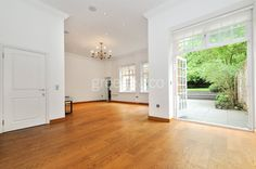 The beautiful 4 bedroom property in Hampstead boasts beautiful interior detailing, private landscaped gardens and gas-fired central heating. It is now available to rent in this highly sought after area. #Hampstead #NW3 #London #LondonProperty #property #ForRent #NW2 #home #property #NorthWestLondon #NWLondon #realestate #design #LondonHome #style #house #maisonette #garden