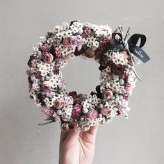 . Lesson Order Katalk ID vaness52 E-mail vanessflower@naver.com . #vanessflower #vaness #flower #florist #flowershop #handtied #flowergram #flowerlesson #flowerclass #바네스 #플라워 #바네스플라워 #플라워카페 #플로리스트 #꽃다발 #부케 #원데이클래스 #플로리스트학원 #화훼장식기능사 #플라워레슨 #플라워아카데미 #꽃수업 #꽃스타그램 #부케 #花 #花艺师 #花卉研究者 #花店 #花艺 . . #dryflower #리스 . . 귀욤