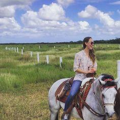 La tierra no nos pertenece, nosotros pertenecemos a la tierra  #horseriding  #pretty #wild #blackandwhite  #nature #visitameridablanca explorando en #baca #méxico lindo #blessed
