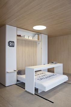 """La diseñadora Bárbara Fernández ha compartido con nosotros su proyecto """"Vivir con lo esencial"""", un espacio levantado en apenas 28 m2, donde se...  http://www.plataformaarquitectura.cl/cl/628043/en-detalle-soluciones-desplegables-en-6-m2"""