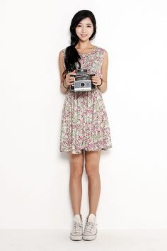 So cute! LOVE the sneakers with the floral dress