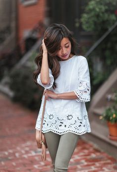 white linen tunic + olive jeans summer outfit // dark brown balayage hair highlights