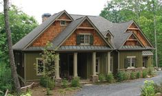 Enjoy lots of Exceptional Mountain Style House Plans Mountain Cottage House Plans design recommendations from Katherine Washington to upgrade your dw. Craftsman Exterior, Craftsman Style House Plans, Craftsman Cottage, Exterior Paint, Cabin Exterior Colors, Craftsman Ranch, Siding Colors, Exterior Design, Craftsman Homes