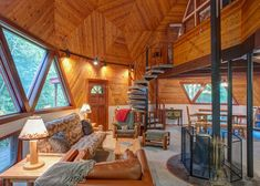 Vaulted great room with lots of angles in the geodesic dome cabin at - dome house Monolithic Dome Homes, Geodesic Dome Homes, Rammed Earth Homes, Dome Structure, Log Cabin Furniture, Dome House, Cabins And Cottages, Round House, House Layouts