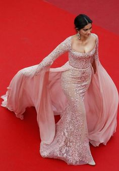 Sonam Kapoor in Elie Saab HC Cannes Film Festival 2017