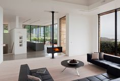 contemporary family room by MOO ARCHITECTS