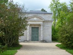 The Queen's Dairy was built for Queen Marie Antoinette by her husband Louis XVI. It's a plain building from the outside but once inside you are in a vast rotunda where the tasting took place – all veined marble, sandstone walls and a grey and white floor to give a milky atmosphere.