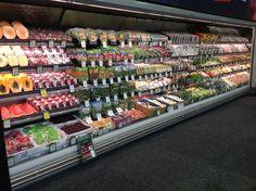 Grapes at bottom work в 2019 г. Produce Displays, Fruit Displays, Design Food, Food Retail, Fruit Shop, Store Layout, Healthy Living Magazine, Shop Organization, Coffee Design