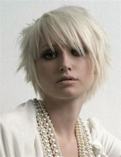 New Modern Short Hairstyles For Women 2015 – Short haircuts are not new. This has been a hot trend for some time now. But this season, a modern short haircut… Funky Short Hair, Short Blonde, Short Hair Cuts, Short Shag, Short Wigs, Blond Bob, Pixie Cuts, Short Hairstyles For Women, Hairstyles With Bangs