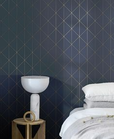 Stylish and unerringly sophisticated, Diamonds wallpaper in green adds a modern-day edge to any interior. Ideal for living rooms – order a sample online! Gold Geometric Wallpaper, Dark Blue Wallpaper, Diamond Wallpaper, Modern Wallpaper, Blue Wallpapers, Gold Wallpaper, Wallpaper Samples, Pattern Wallpaper, Wallpaper Suppliers